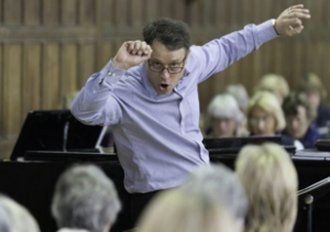 Piers Maxim conducting